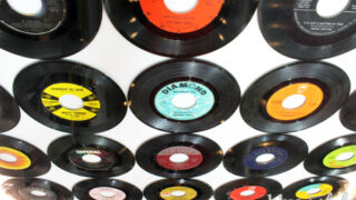 How to Cover a Wall in Vinyl Records - Damage Free!