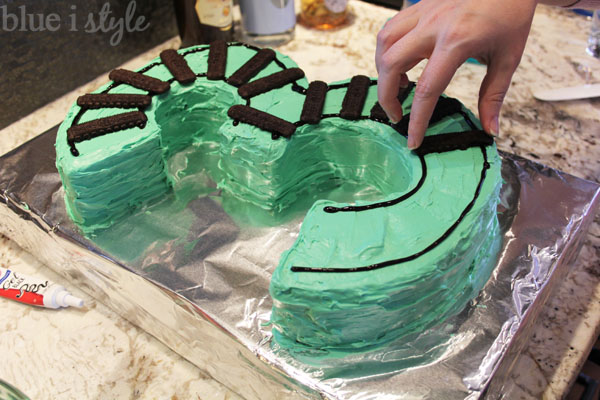 Train Cake with tracks