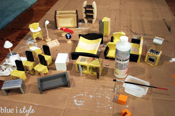 Paint wood dollhouse furniture