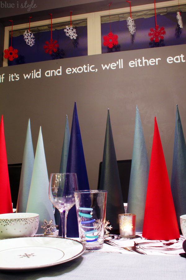 Modern Christmas Table & Window Display