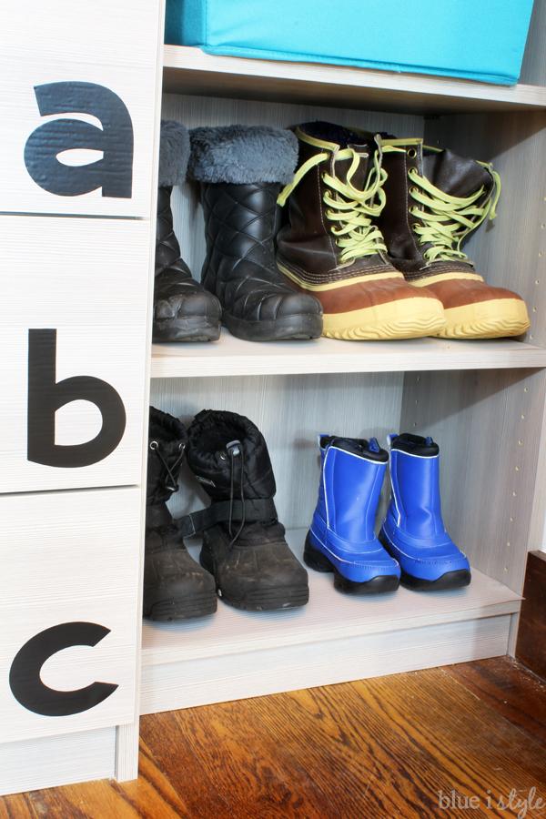 Line shoe shelves