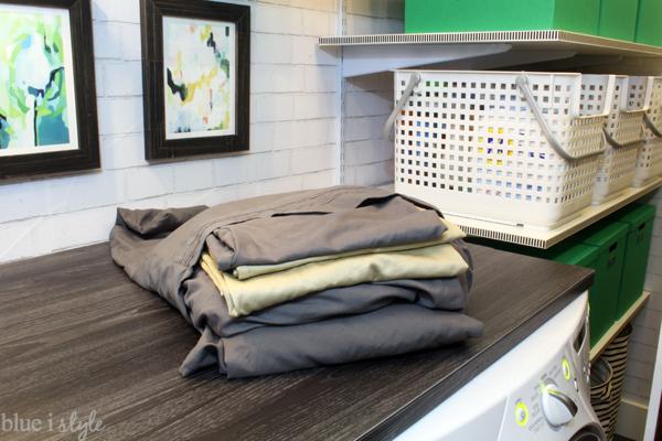 Folding sheets