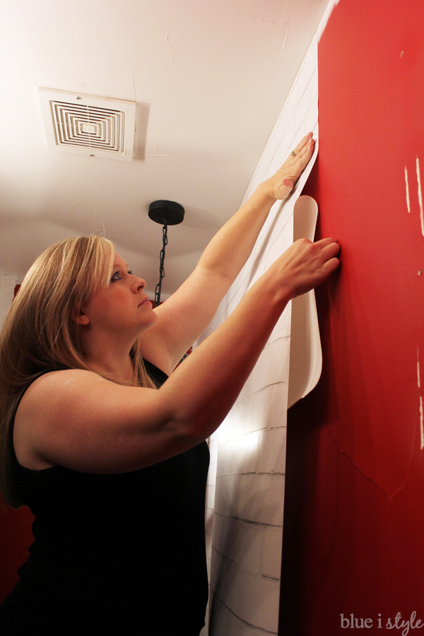 Installing temporary removable wallpaper