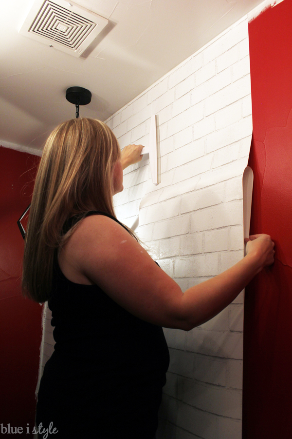 Installing self-adhesive wallpaper