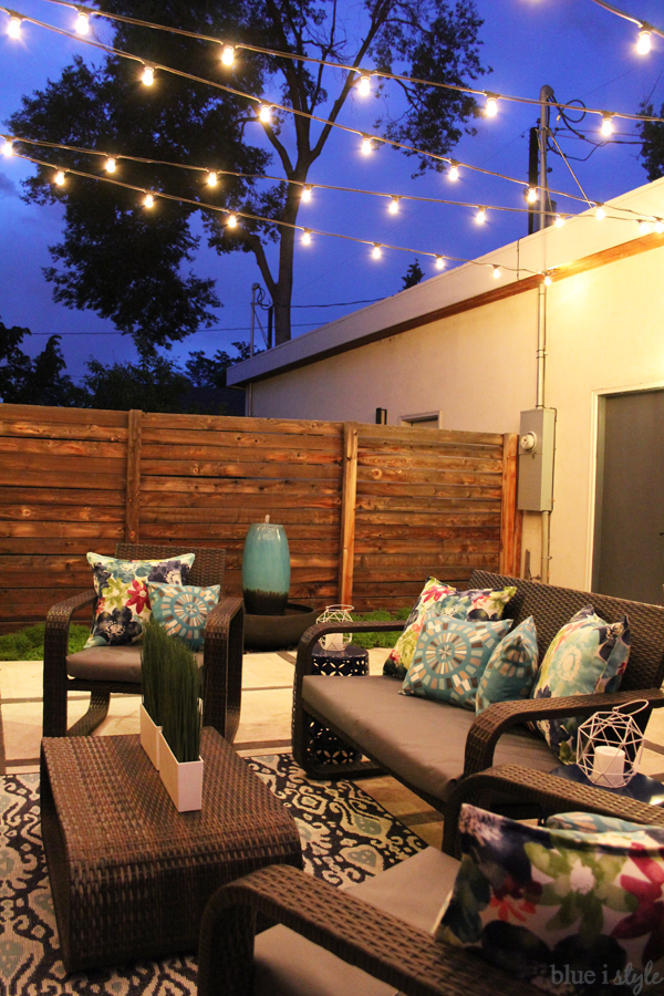 Commercial grade patio string lights