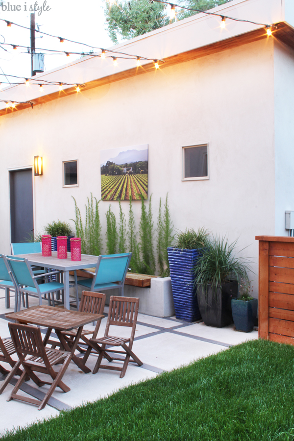 Patio dining for adults and kids