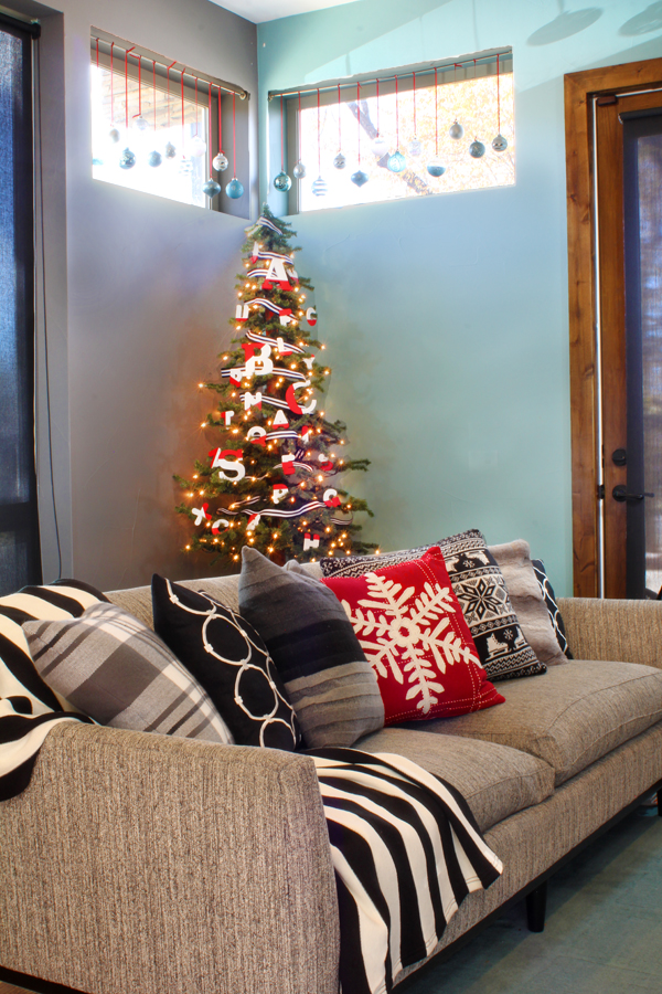 Modern Graphic Family Christmas Tree