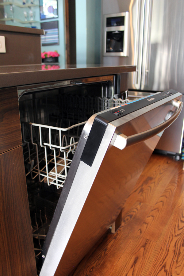 Clean dishwasher