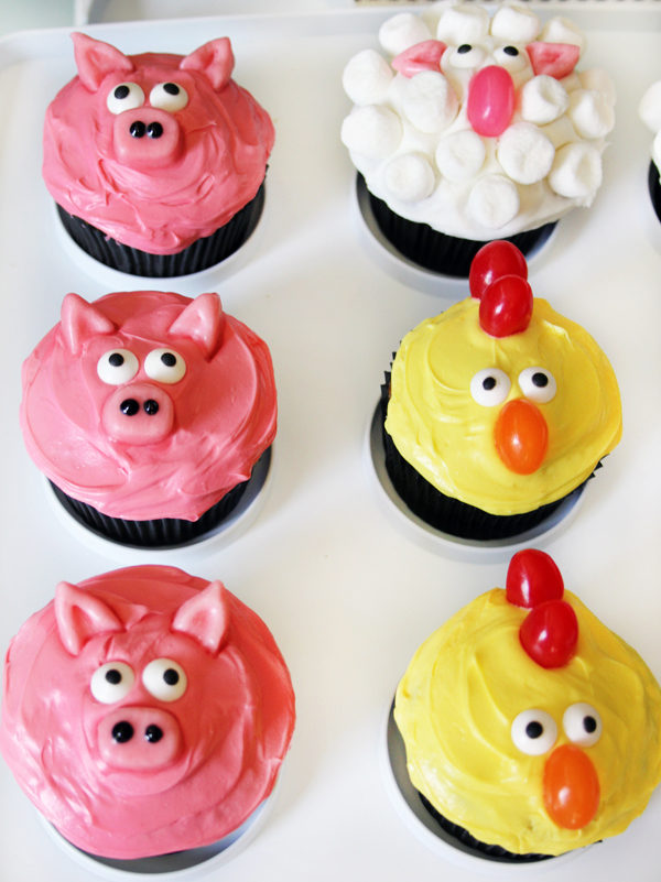 Pig Cucpakes Sheep Cupcakes Chicken Cupcakes