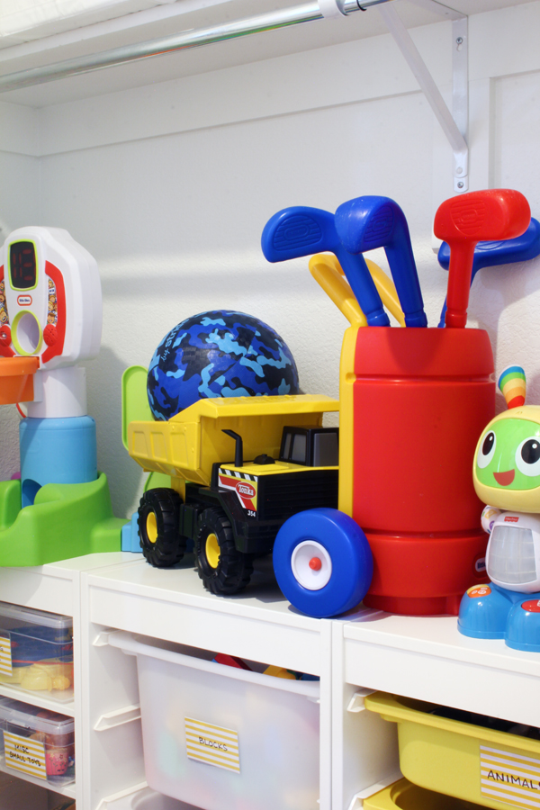 How to organize large toys